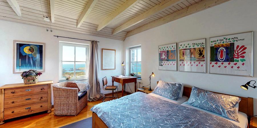 ballyvonane-house-bedroom-upper--interior-3-900x450