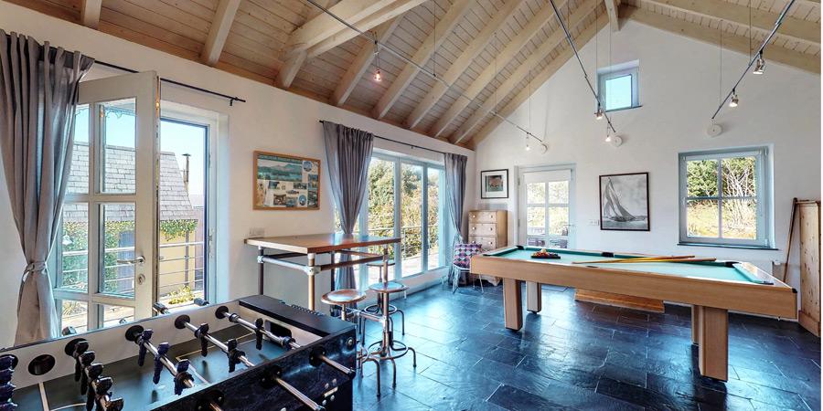ballyvonane-house-games-room-interior-3-900x450