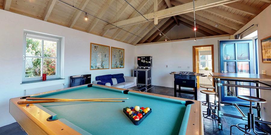 ballyvonane-house-games-room(1iInterior-3-900x450