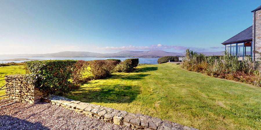 ballyvonane-house-garden-sea-view-900x450