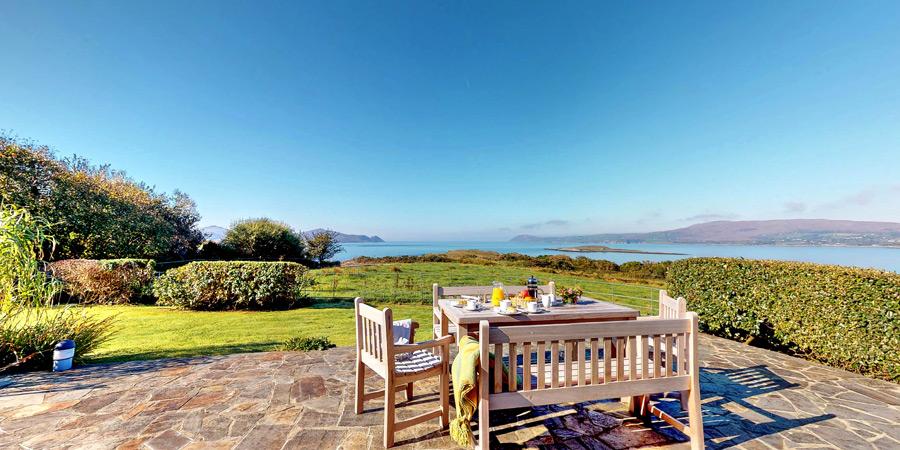 ballyvonane-house-terrace-sea-view-900x450