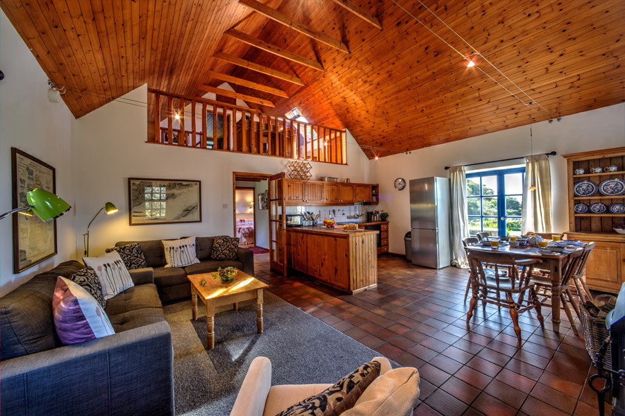 carbery-house-3-kitchen-dunmanus-bay-co-cork-holiday-home-900x600