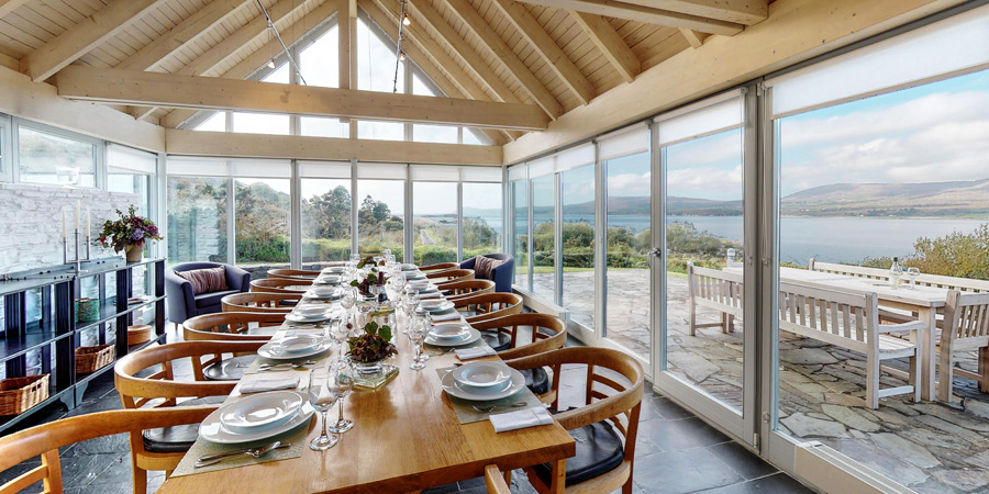 kilcomane-house-conservatoey-dining-room-sea-view-room-900x450