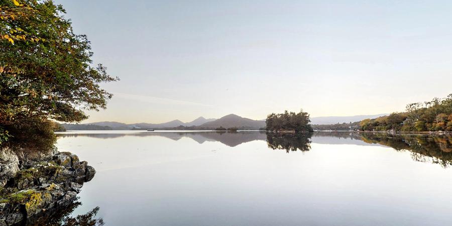 silver-birch-house-boat-slip-bay-view-900x450