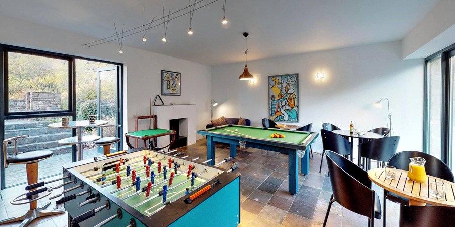 silver-birch-house-games-room-900x450