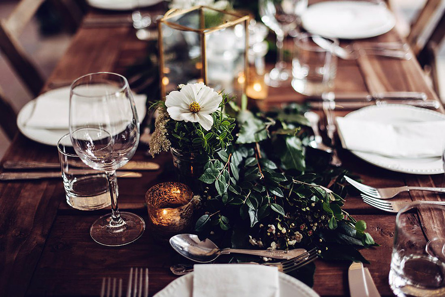 west-cork-wedding-table-setting-flowers